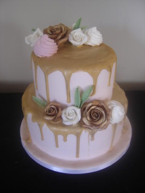 pink &Gold drip cake